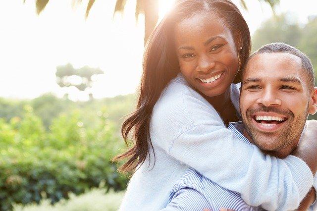 šťastný pár